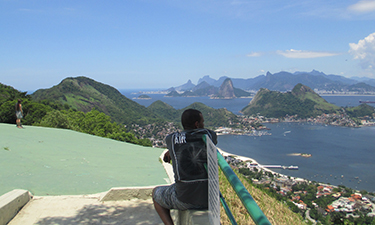 The spectacular view of Guanabara and the city of Rio de Janeiro from the hang-gliding pad at City Park in Niteroi is acknowledged as one of the most scenic views in Brazil.